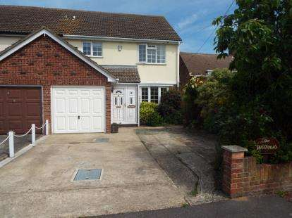 3 Bedrooms Semi Detached House for sale in Tendring, Clacton-On-Sea, Essex
