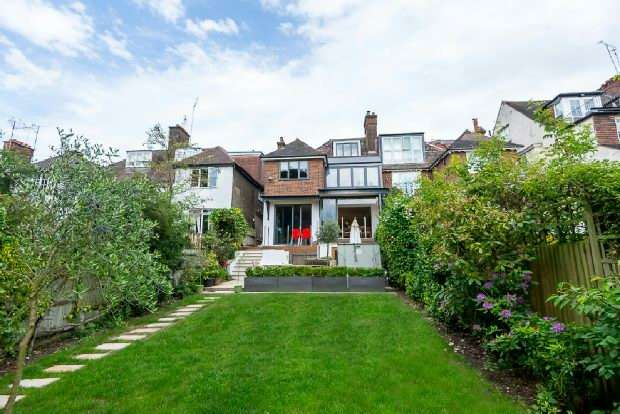 5 Bedrooms Unique Property for sale in Park Drive, Golders Hill, NW11