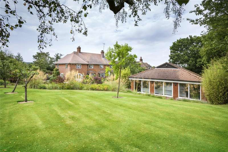 6 Bedrooms Detached House for sale in Old Lane, Knebworth, Hertfordshire, SG3