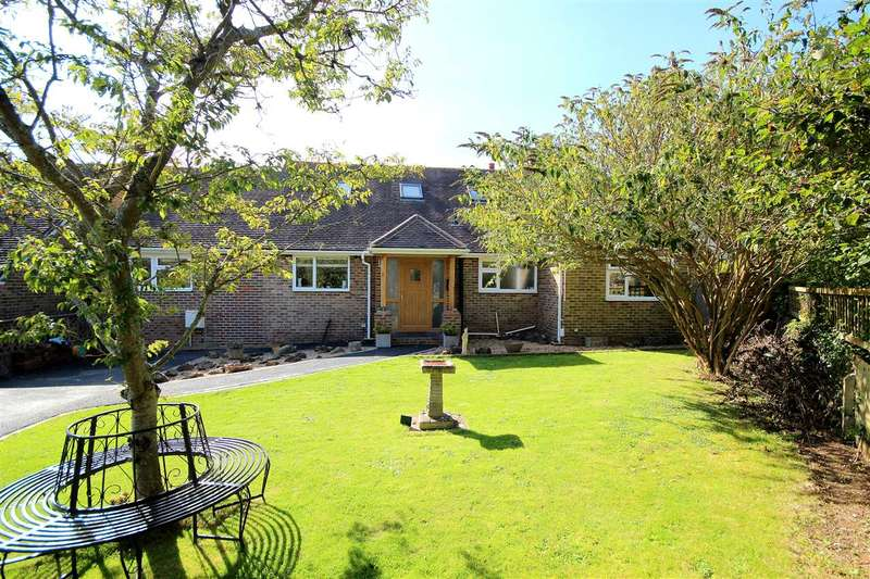 4 Bedrooms Detached House for sale in Furzehome, High Salvington BN13