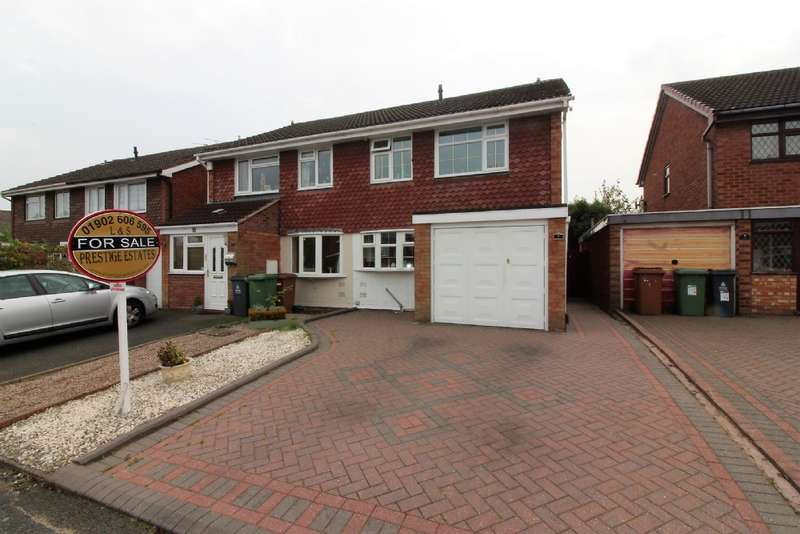 3 Bedrooms Semi Detached House for sale in Martin Drive, Short Heath