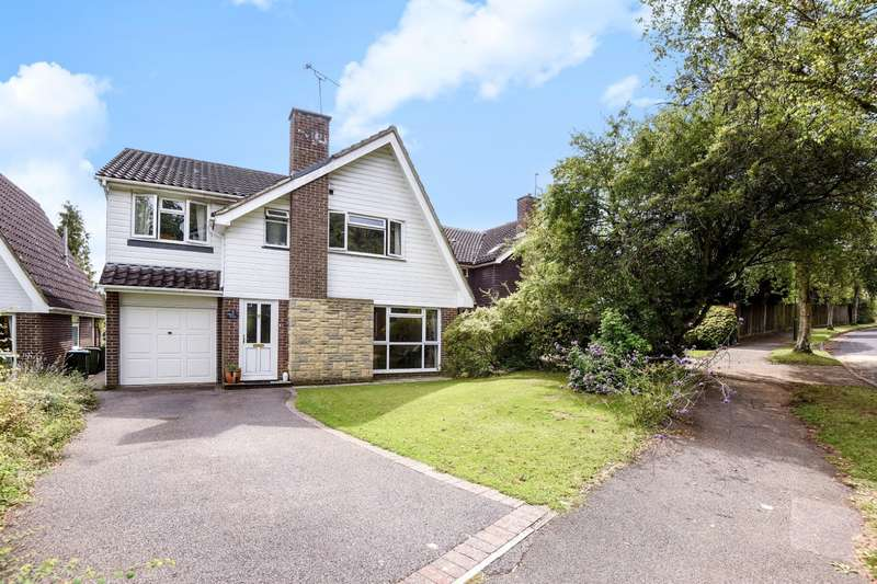 4 Bedrooms Detached House for sale in Willow Drive, Billingshurst, RH14