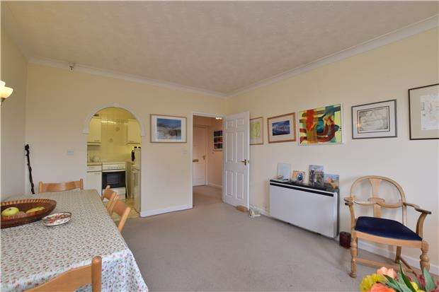 2 Bedrooms Flat for sale in Tumbling Bay Court, Henry Road, Oxford, OX2 0PE