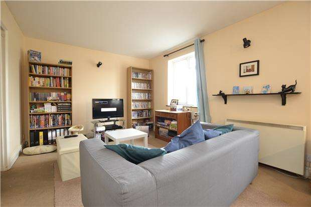 2 Bedrooms Flat for sale in High Street, Twerton, BATH, BA2 1DB
