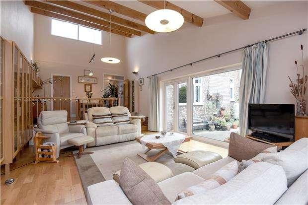 2 Bedrooms Detached Bungalow for sale in Beaufort Gardens, London, SW16