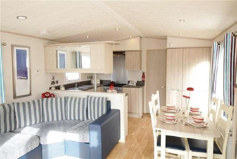 2 Bedrooms Mobile Home for sale in Allhallows, Rochester, Kent. ME3 9QD