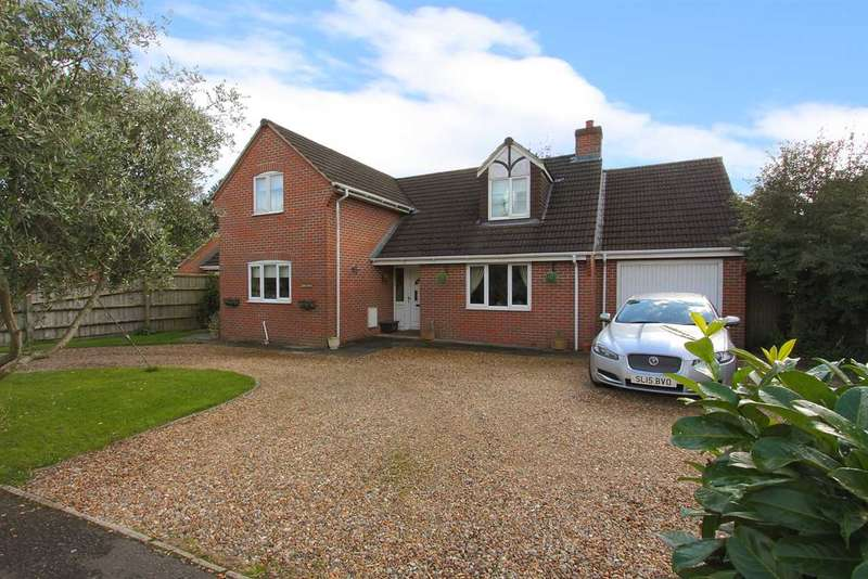 3 Bedrooms Detached House for sale in Lark House, Andover Road, Ludgershall