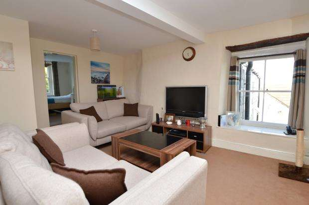 2 Bedrooms Flat for sale in Lower Fore Street, Saltash, Cornwall
