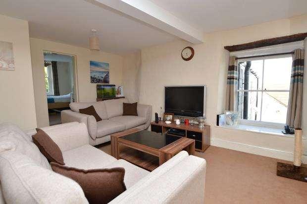 2 Bedrooms Flat for sale in Lower Fore Street, Saltash, Cornwall