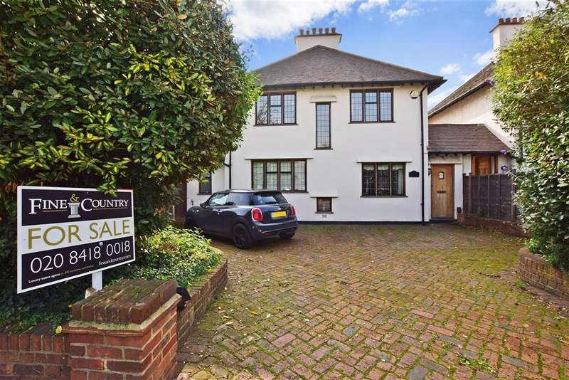 4 Bedrooms Detached House for sale in Palmerston Road, Buckhurst Hill, Essex