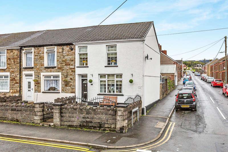 3 Bedrooms End Of Terrace House for sale in Bridgend Road, Maesteg