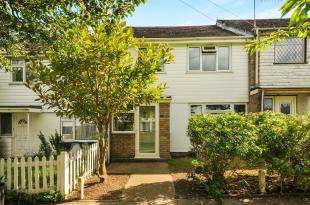 3 Bedrooms Terraced House for sale in Tilbury Close, Orpington, .