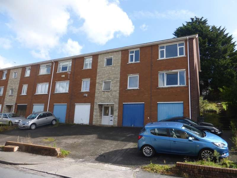 2 Bedrooms Flat for sale in Lynmouth Crescent, Rumney, Cardiff