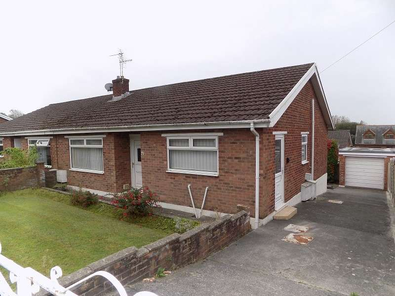 3 Bedrooms Semi Detached Bungalow for sale in Woodlands Park, Kenfig Hill, Bridgend. CF33 6DY