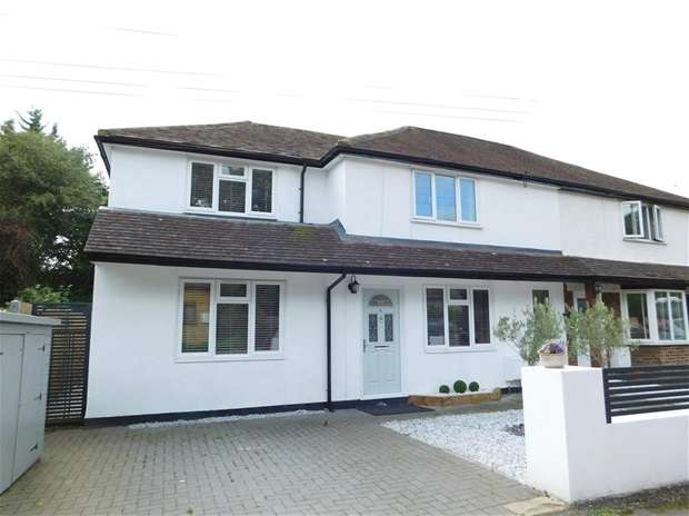 3 Bedrooms Semi Detached House for sale in Brooklands Road, Thames Ditton