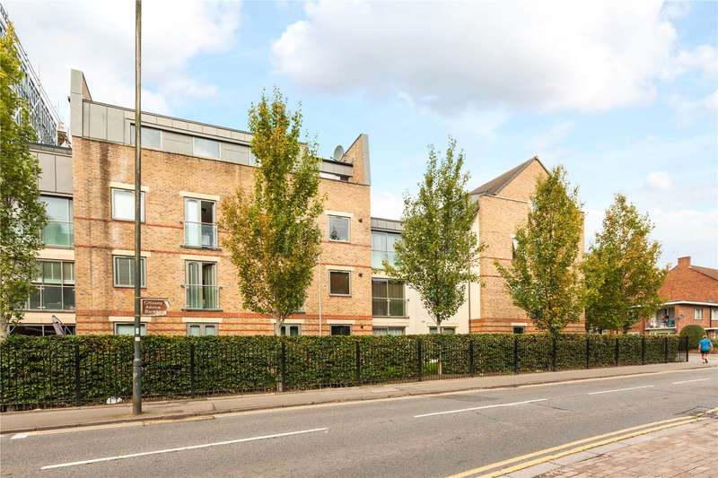 2 Bedrooms Flat for sale in Spur House, The Crescent, Maidenhead, Berkshire, SL6