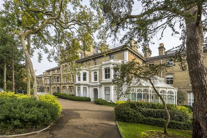 2 Bedrooms Flat for sale in Normansfield Court, 22 Langdon Park, Teddington, TW11