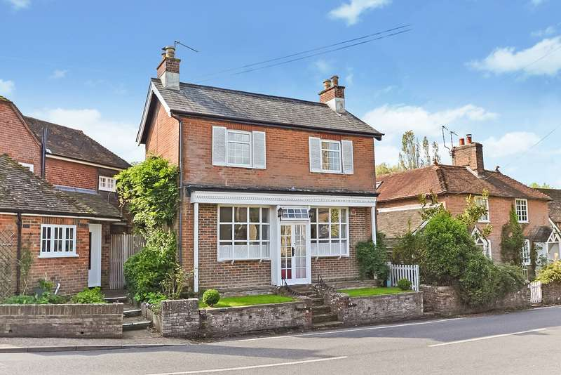3 Bedrooms Detached House for sale in The Street, Slinfold, West Sussex, RH13