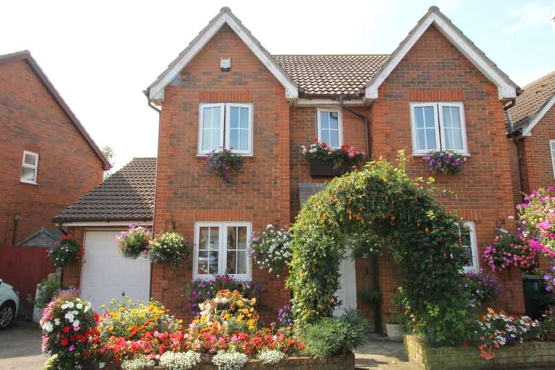 4 Bedrooms Detached House for sale in Harebell Close, Minster On Sea, Sheerness, ME12