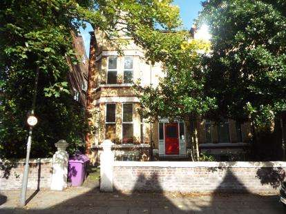 2 Bedrooms Flat for sale in Marmion Road, Liverpool, Merseyside, England, L17