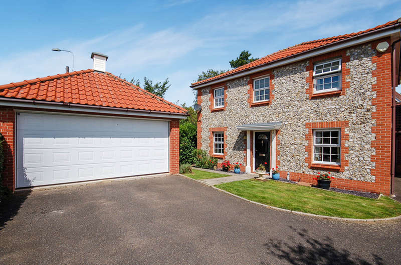 4 Bedrooms Detached House for sale in Ethelreda Drive, Thetford