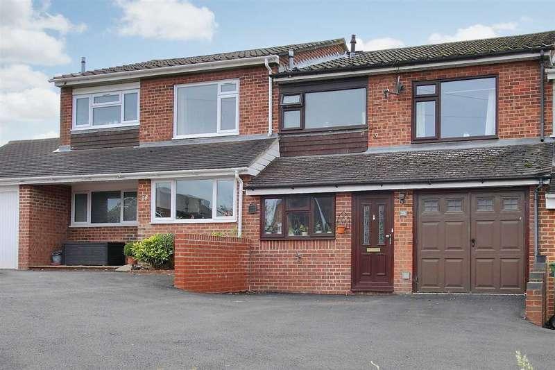 3 Bedrooms Terraced House for sale in Poyntz Road, Overton