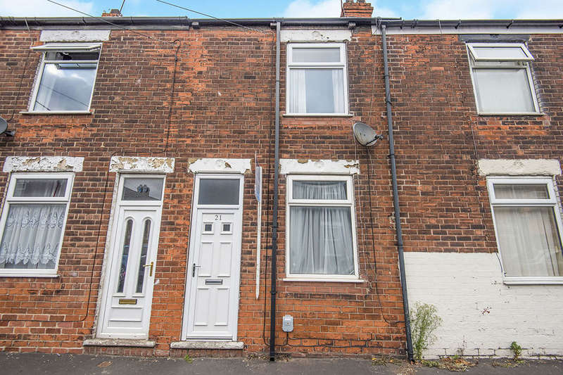 2 Bedrooms Terraced House for sale in Lorraine Street, Hull, HU8