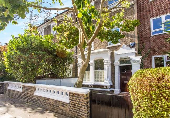 5 Bedrooms Terraced House for sale in Eyot Gardens, London
