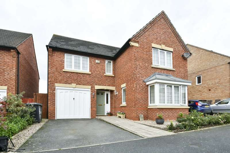 4 Bedrooms Detached House for sale in 34, Hill View, Stratford-Upon-Avon, Warwickshire, CV37