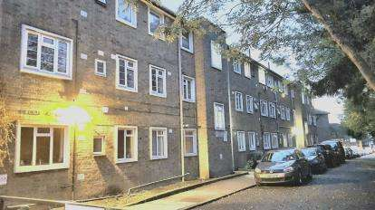 3 Bedrooms Flat for sale in Newland Court, Forty Avenue, Wembley
