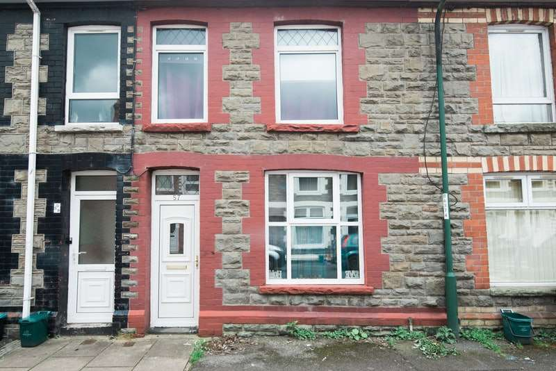 2 Bedrooms Terraced House for sale in Meadow Street, Abertillery, Blaenau Gwent, NP13