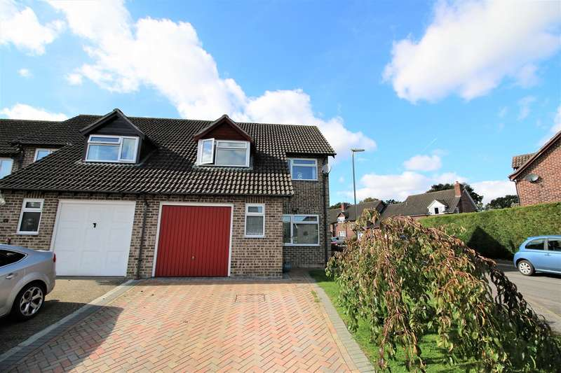 3 Bedrooms End Of Terrace House for sale in Sarisbury Close, Tadley, RG26