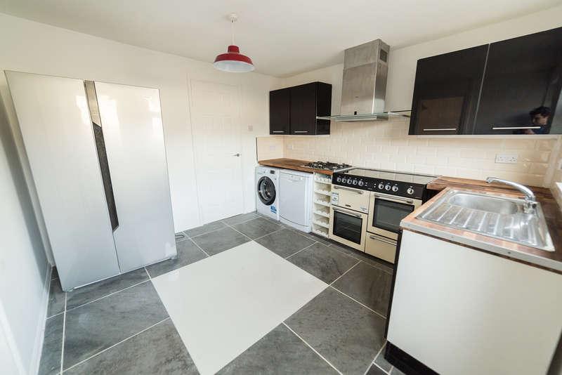 3 Bedrooms Terraced House for sale in Michael Way, Pontypool