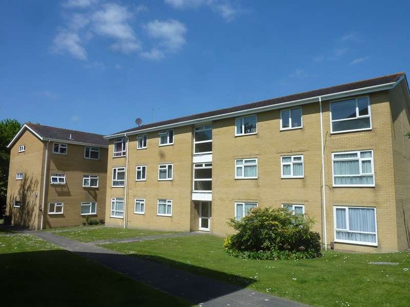 2 Bedrooms Apartment Flat for sale in Gibson Road, Candford Heath Nr Oakdale, Poole, Dorset