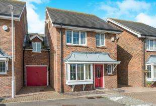 3 Bedrooms Link Detached House for sale in Hilton Close, Faversham