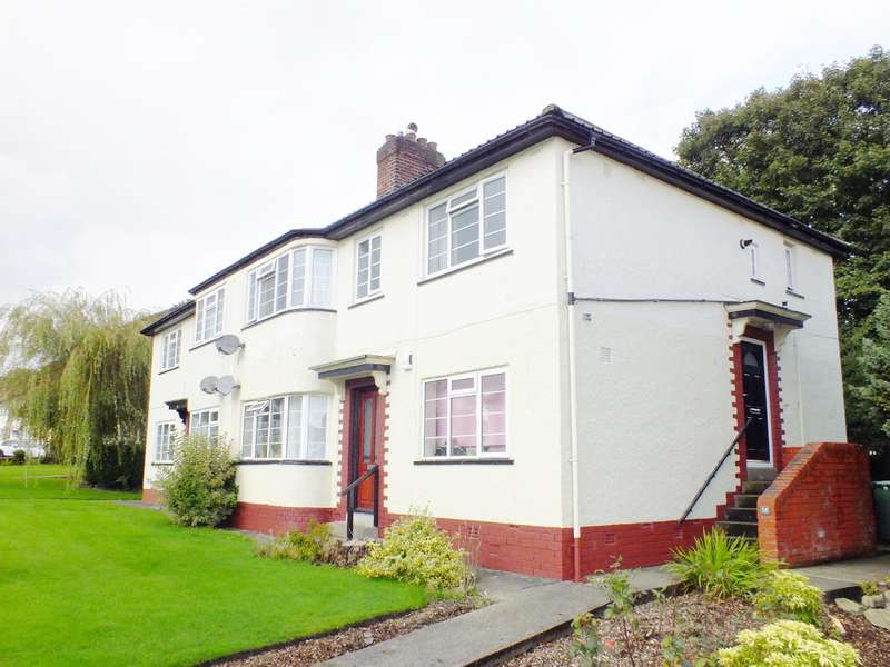 3 Bedrooms Flat for sale in Redesdale Gardens, Adel, Leeds, LS16 6AU