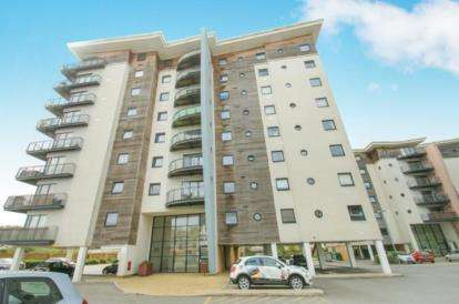 3 Bedrooms Flat for sale in Alexandria, Victoria Wharf, Watkiss Way, Cardiff