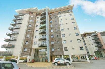3 Bedrooms Flat for sale in Alexandria, Victoria Wharf, Watkiss Way, Cardiff