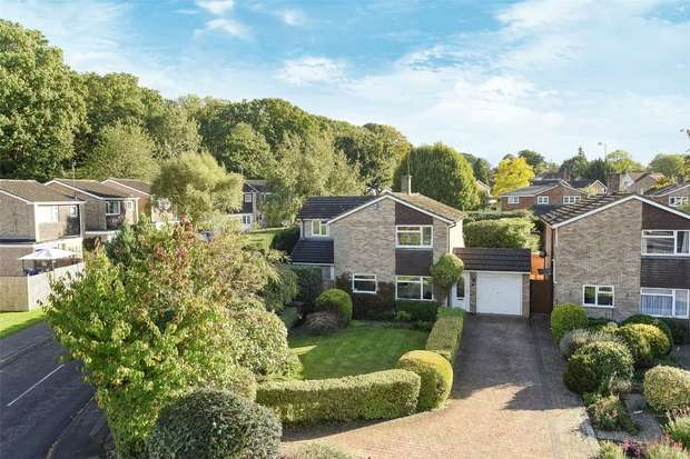 4 Bedrooms Detached House for sale in Clifton Road, Wokingham, Berkshire