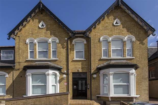 2 Bedrooms Flat for sale in Alexandra Road, Hornsey, N8
