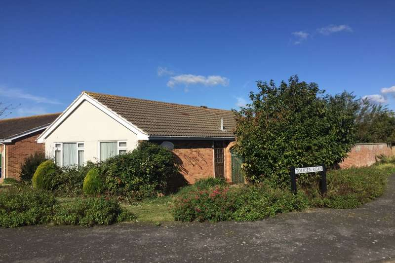 3 Bedrooms Detached Bungalow for sale in Tolkien Road, Eastbourne, BN23