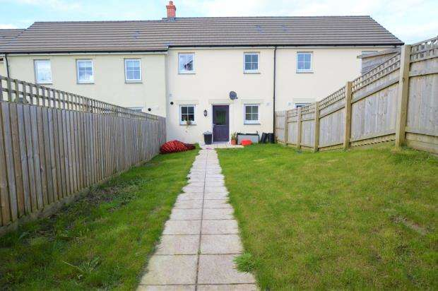2 Bedrooms Terraced House for sale in Penscowen Road, Camborne, Cornwall