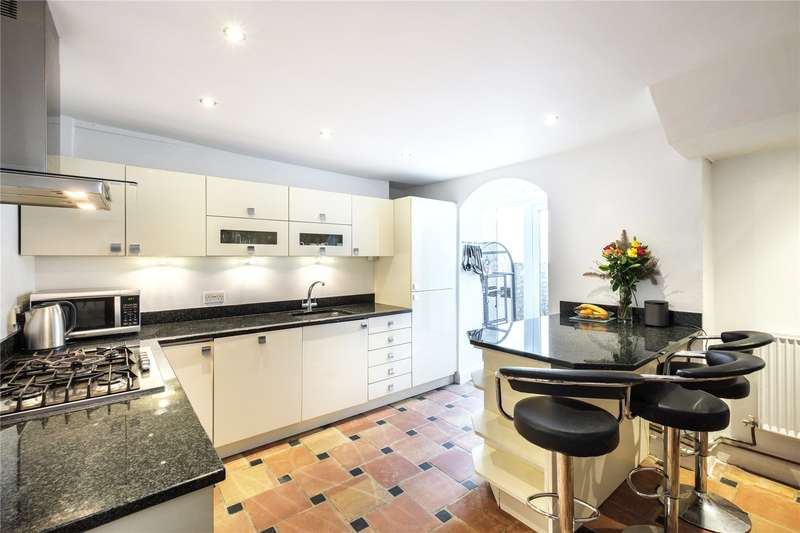 3 Bedrooms Terraced House for sale in St. Peter's Street, London, N1