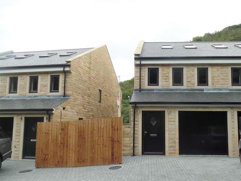 5 Bedrooms Town House for rent in Acorn Close, Hebden Bridge, Hebden Bridge