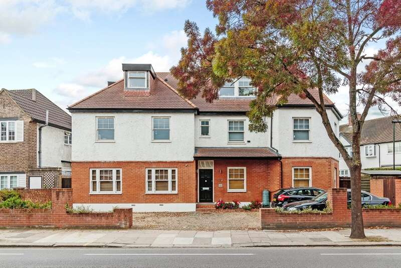Apartment Flat for sale in Teddington