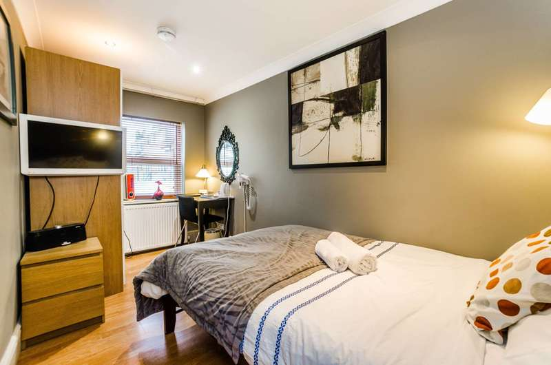 2 Bedrooms House for sale in Lawrence Road, Tottenham, N15