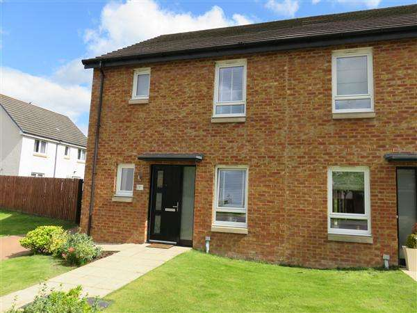 3 Bedrooms Semi Detached House for sale in Shankley Drive, Newmains