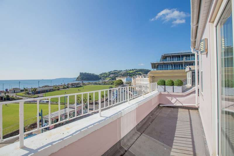 2 Bedrooms Flat for sale in Den Crescent, Teignmouth