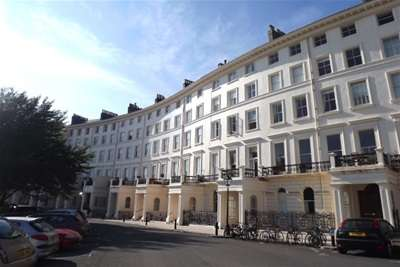 Flat for rent in Adelaide Crescent, Hove