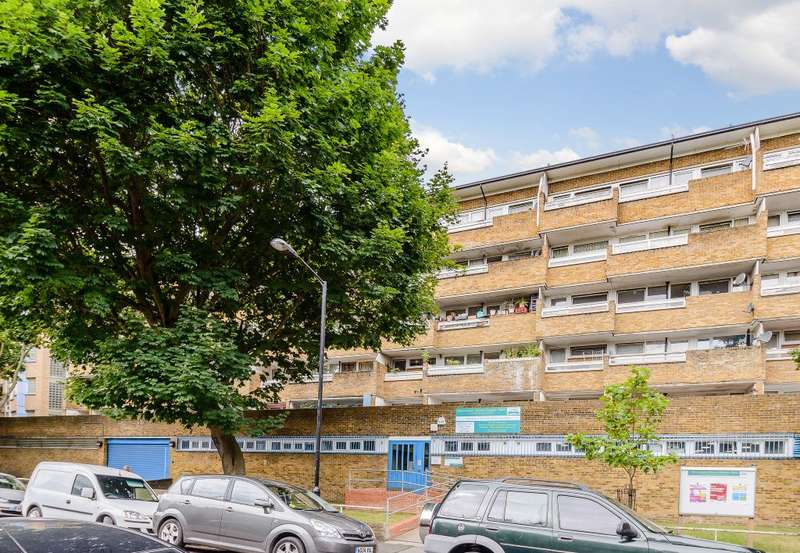 2 Bedrooms Flat for sale in Flat 31, Wickway Court,London, SE15 6QB